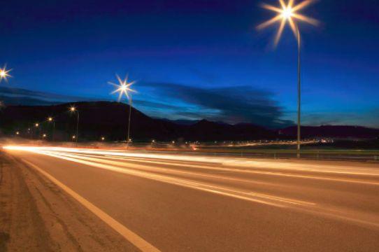 昕诺飞Interact为建筑提供优质的照明和互联照明管理服务制瓦机
